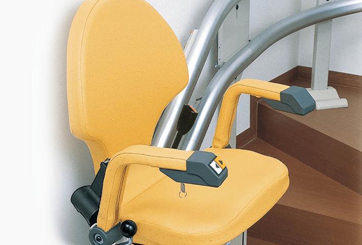 いす式階段昇降機 自由生活 曲線型 スタンダード仕様